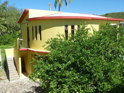 Holiday accommodation on half-board or self-catering basis on the island of Rodrigues at Villa Pandanus, Grand Bay